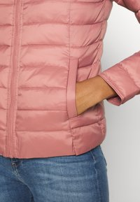 ONLY - ONLNEWTAHOE QUILTED JACKET - Light jacket - withered rose - 5