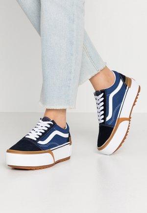 OLD SKOOL STACKED - Sneaker low - navy/true white