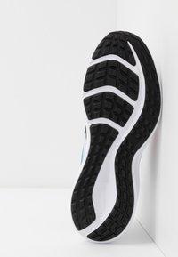 Nike Performance - DOWNSHIFTER 10 FABLE - Zapatillas de running neutras - white/black/fire pink/blue fury - 5