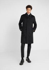 Mackintosh - DOWNFIELD - Trenchcoat - black - 3