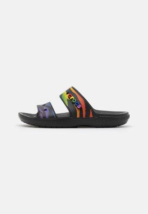 CLASSIC 2021 PRIDE UNISEX - Pantofle - black/multicolor