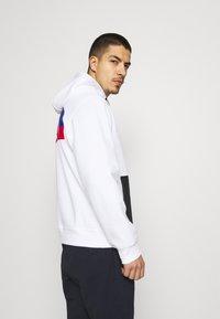 The North Face - TECH HOODIE - Sweatshirt - white - 3