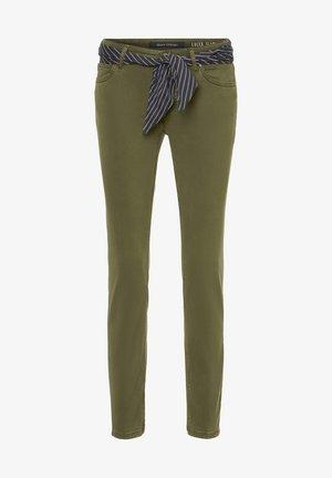 Spodnie materiałowe - soaked moss