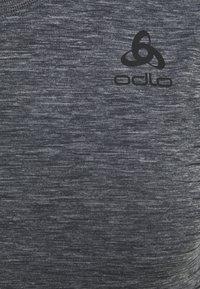 ODLO - PERFORMANCE LIGHT CREW NECK SINGLET - Top - grey melange - 2