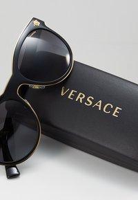 Versace - Solbriller - black - 2