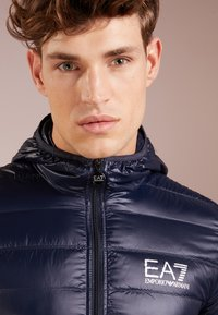 EA7 Emporio Armani - JACKET - Gewatteerde jas - night blue