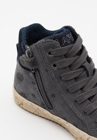 Geox - KALISPERA GIRL - Sneakersy wysokie - dark grey - 5