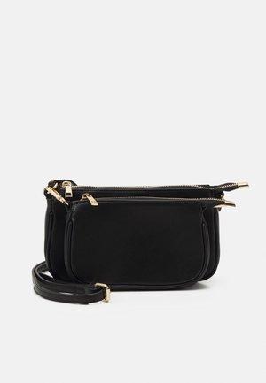 PCALLY CORS OVER BAG - Olkalaukku - black/gold-coloured