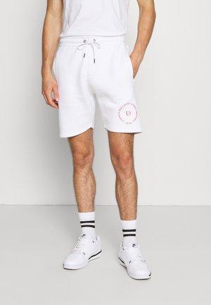 PREVAIL SHORT UNISEX - Shorts - white