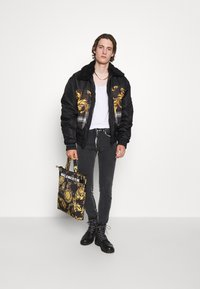 Versace Jeans Couture - DIAGONAL  - Bomber Jacket - nero - 5