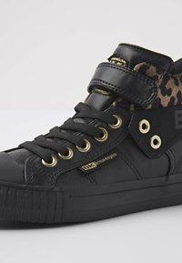 British Knights - ROCO - Sneakers hoog - black/rust leopard/gold/black - 5