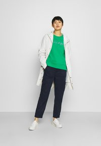 Tommy Hilfiger - RELAXED SCRIPT - Sweatshirt - primary green - 1