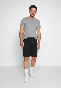 Superdry - COLLECTIVE SHORT - Shorts - black - 1