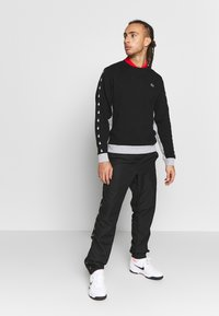 Lacoste Sport - TAPERED - Collegepaita - black/silver chine - 1