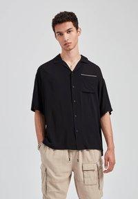 PULL&BEAR - Overhemd - black - 2