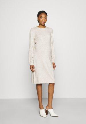 DRESS HANNAH - Gebreide jurk - oatmeal