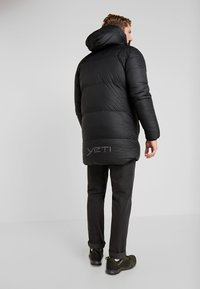 YETI - SKANSHOLM OVERSIZE - Down coat - black - 2