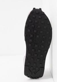Nike Sportswear - DAYBREAK - Trainers - barely rose/white/silver/lilac/black/white - 6