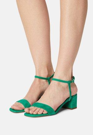 Sandály - vert