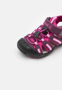 Kamik - CRAB UNISEX - Walking sandals - plum/prune - 5