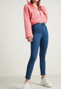 Tezenis - MIT NIETEN IN STERNFORM - Jeans Skinny Fit - blu jeans - 1