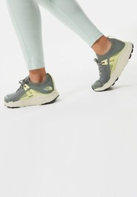 The North Face - HYPNUM - Chaussures de marche - agavegreen/palelimeyellow - 0