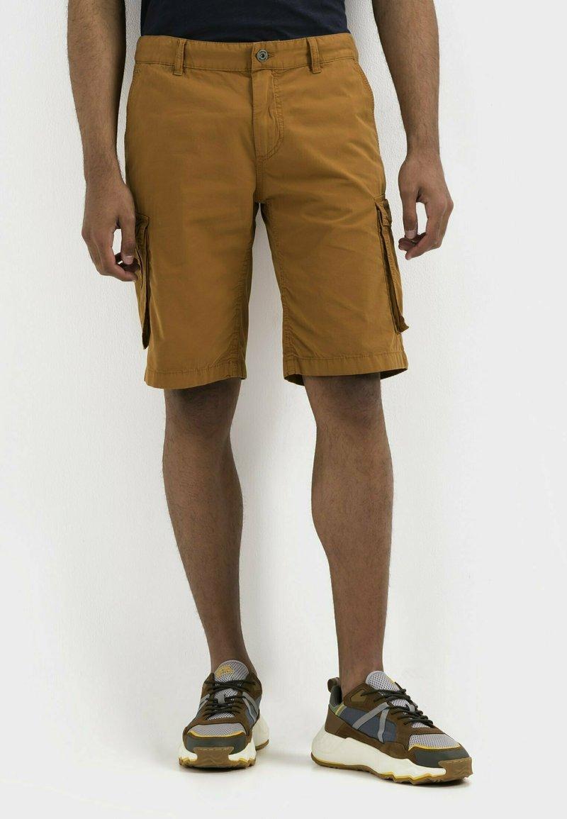 camel active - REGULAR FIT - Shorts - cinnamon