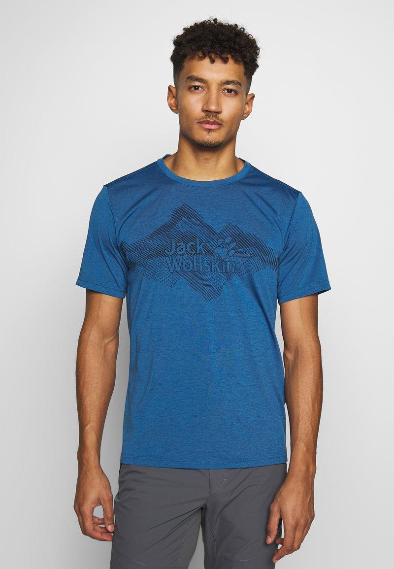 Jack Wolfskin - CROSSTRAIL GRAPHIC - Print T-shirt - indigo blue