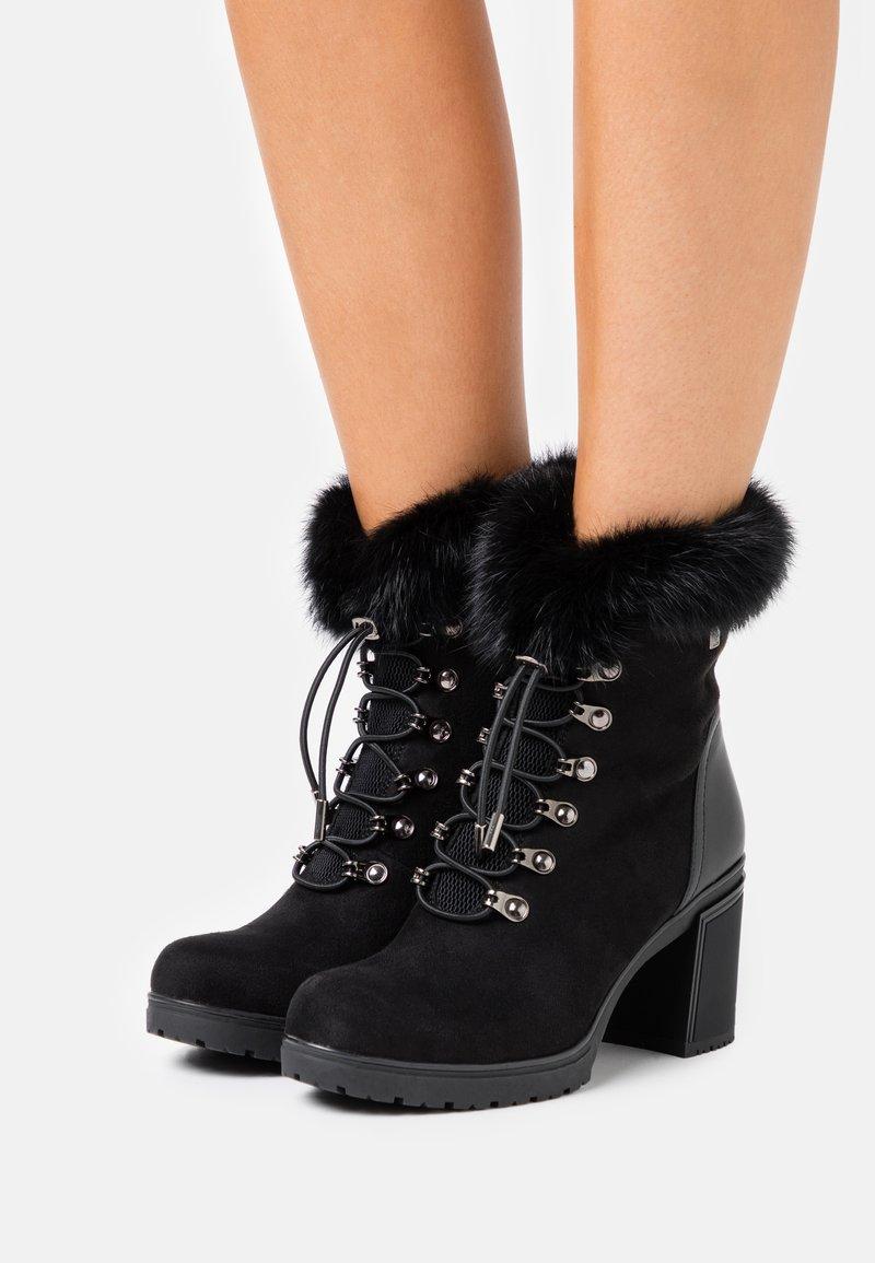 Laura Biagiotti - Platform ankle boots - black