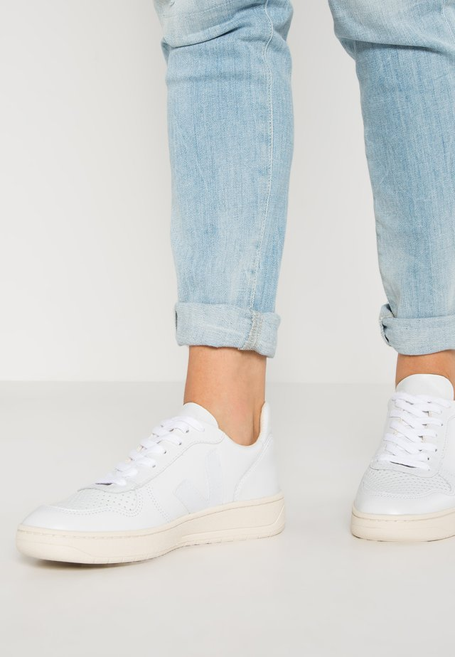 V-10 - Sneakers laag - extra white