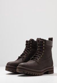 Timberland - COURMA GUY BOOT WP - Snörstövletter - dark brown - 2