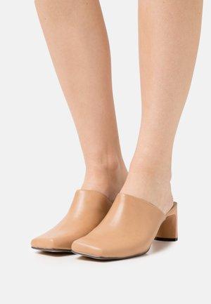 JESSIE - Heeled mules - nude
