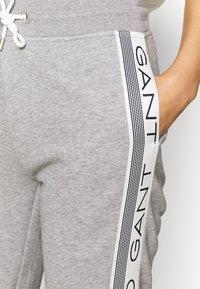 GANT - STRIPES PANTS - Tracksuit bottoms - grey - 4