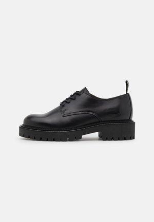 PHOBY  - Zapatos de vestir - black
