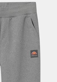 Ellesse - DAZONI UNISEX - Tracksuit bottoms - mottled grey - 2
