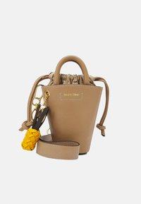 CECILIA SMALL TOTE - Handbag - coconut brown