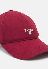 Barbour - CASCADE SPORTS UNISEX - Kšiltovka - lobster red - 3