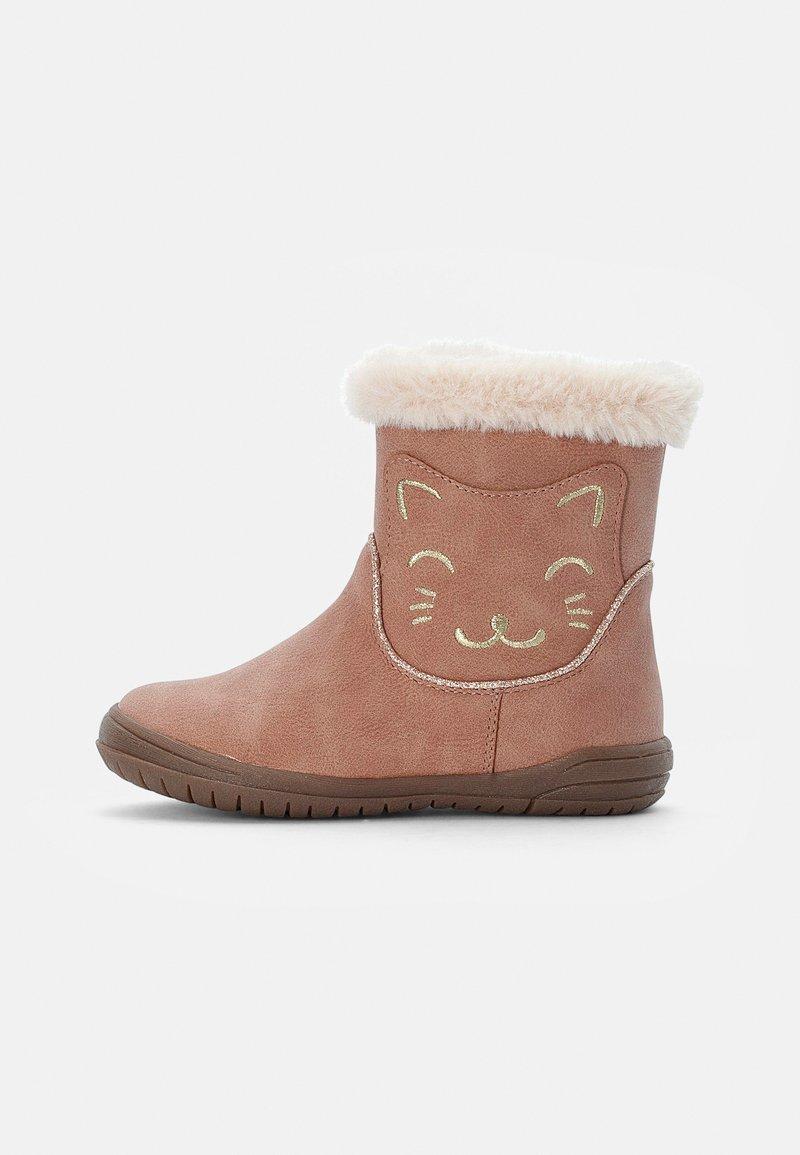 Friboo - BOOTIES - Korte laarzen - pink