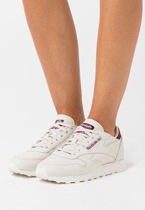 Sneakersy niskie - alabaster/maroon/chalk