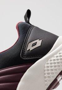 Lotto - BREEZE ULTRA - Chaussures d'entraînement et de fitness - purple saturday/gravity titan/all black - 5