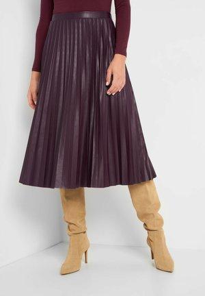 A-line skirt - burgunder