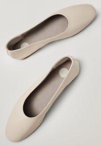 Massimo Dutti - Ballet pumps - beige - 5