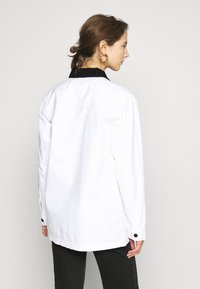 Vans - MAKE ME YOUR OWN - Summer jacket - white