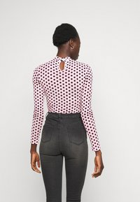 Missguided Tall - FLOCKED SPOT - Long sleeved top - baby pink - 2