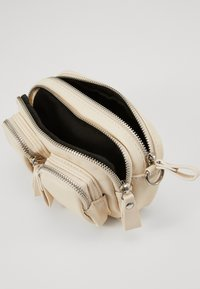 Gina Tricot - CONNIE MINI BAG - Skulderveske - white - 3