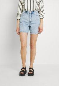 Monki - Jeans Short / cowboy shorts - blue dusty light/light blue - 0