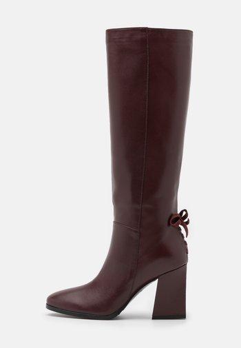 Boots - cabernet