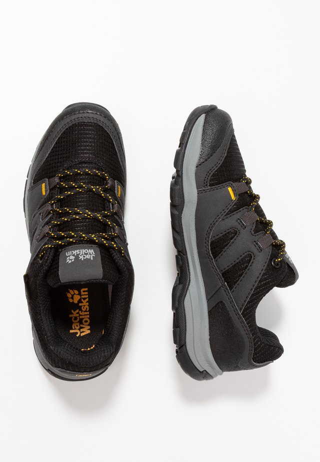 MTN ATTACK 3 TEXAPORE LOW UNISEX - Hiking shoes - burly yellow