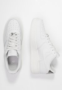 Nike Sportswear - AIR FORCE - Trainers - platinum tint/summit white - 3