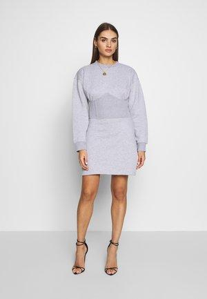 OVERSIZED CORSET DRESS - Denní šaty - grey marl